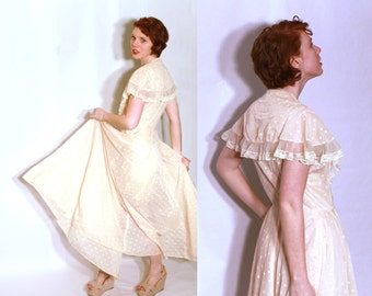 Vintage 1950's Dressing Robe