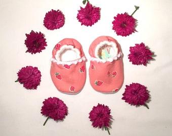 Organic Cotton Strawb Pram Shoes