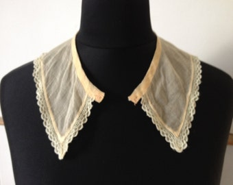 Antique Vintage 1910s 1920s 1930s collar and cuffs set lace edging pale peach and cream