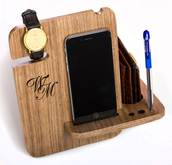 Iphone 6s dock station walnut solid wood gift for by for Organiser un stand