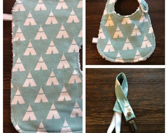 Light Blue Teepee Burp Cloth, Bib, Bibdana and Pacifier Clip