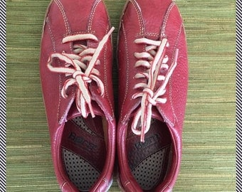 "Vintage red leather Oxfords by ""Born"" - - oh so soft!!"