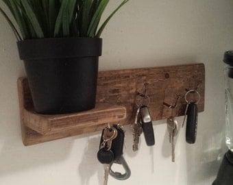 Key holder, wall key hook, rustic key hook, rustic wall decor, rustic décor,upcycled shelf, repurposed wood, pallet shelf, rustic home decor