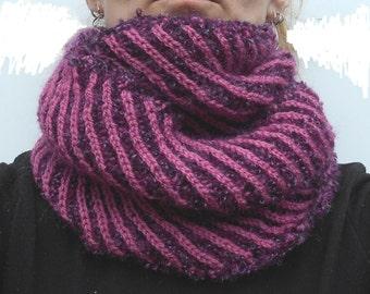 Purple-pink boucle snood