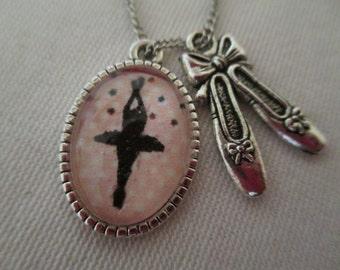 Pendant cabochon dancer and ballerina necklace