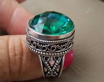 Green Quartz Ring- size 8!