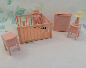 Renwal Dollhouse Furniture
