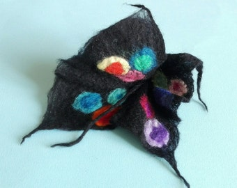 Black polka dot flower brooch