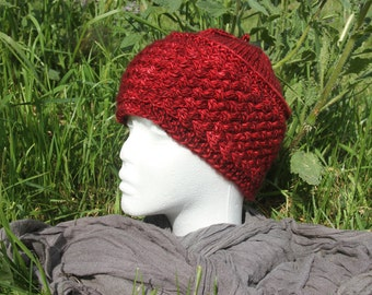 Griotte hat with cables knitted hand