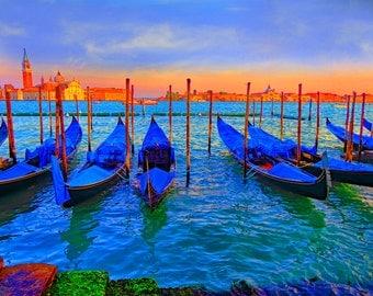 Venice photos, Italy photos, wall art, water photos, fine art photos, travel photos. gondola photos in vencice., gondola photos