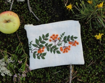 Embroidered wallet (Rowan)