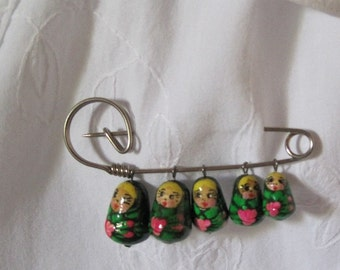 Nesting Doll Pin, Vintage Brooch, Costume Jewelry Pin with 5 Dolls