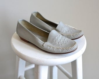 1970s Loafers / Eggshell Blue Woven Loafers / Vintages 70s Wooden Heeled Shoes