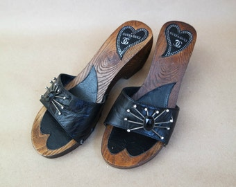 Vintage Women's Clogs, Leather Sandals,  Black Mules,  Black Leather Clogs  Wooden Sole  Size 37 EU