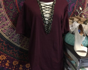 LAST ONE! Vintage floral style maroon lace up t shirt dress