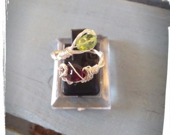 925 Silver ring with Peridot and Rhodolite Garnet