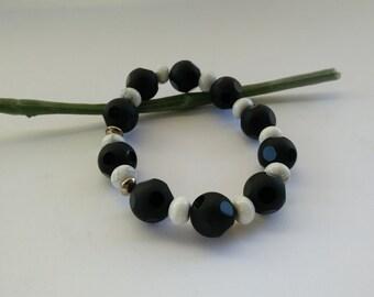 Magnesite with silver Onyx bracelet