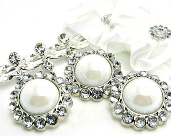 SHINY WHITE Rhinestone Pearl Buttons Acrylic W/ Clear Surrounding Rhinestones Wedding Button Wedding Bouquets Button Brooch 26mm 3185 38P 2R