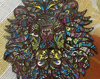 Lion lapel hat pin