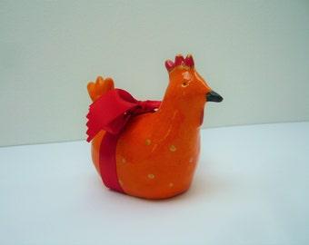 Little Easter hen ceramic orange to Golden pea