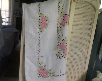 SALE! Vintage table cloth, Art Deco, Linen, pink, chartreuse green, white and black, Pristine!