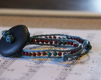 Bracelet of two turns.