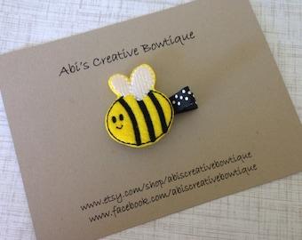 Bumble bee hair clip/ embroidered single felt hair clip/ toddler girl clippie