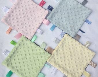 Small Baby Sensory/Tag Blanket 20cm x 20cm