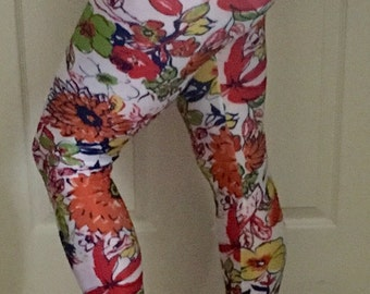 Designer fashion leggings 1/2 the price. All onesize, Light and silky!