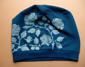 Summer hat with floral screen print