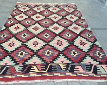 10 x 6 ft Bright  vintage kilim rug
