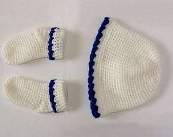 Woolen socks and cap for baby girl
