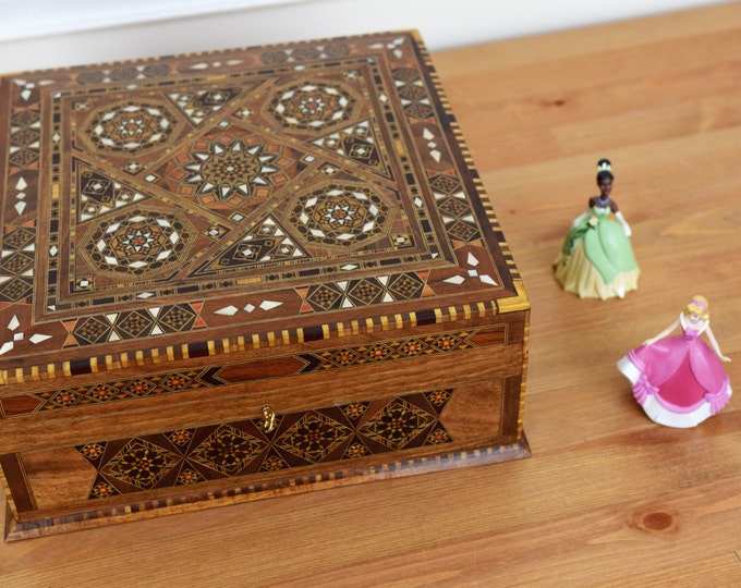 Tea Box, Multipurpose Box, Storage Box, Wood Inlay art, Syrian Mosaic, Marquetry Wood Box, Mother of Pearl, Trinket Box, Wooden Home Decor
