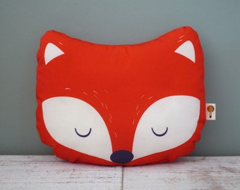 Small pillow Fox bio