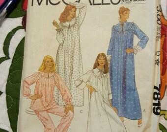 1980 McCalls # 7819 Vintage Pattern size XL 22 to 24CUT