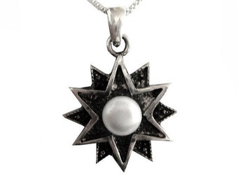 Necklace in 925 sterling silver with freshwater pearl