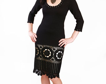 Knitted dress with crochet 4402