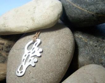 lizard pendant, silver