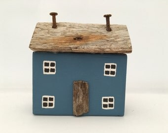 Blue Driftwood Seaside Cottage