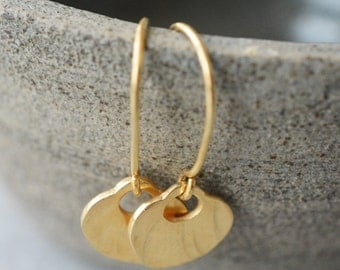 14k gold hanging earrings  with hammered pendant-14k gold hanging handmade earrings