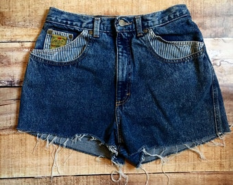 Size 8 90s High Waisted Shorts