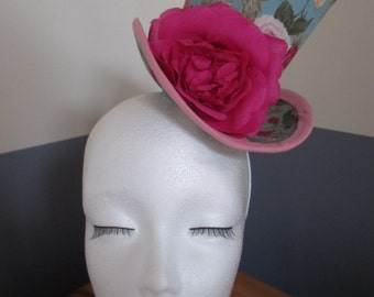 Turquoise rose mini top hat
