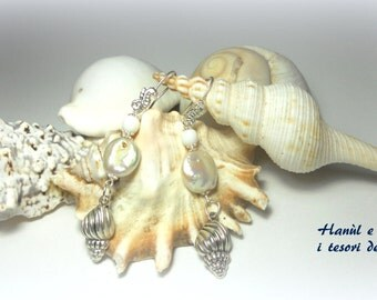 HIPPOCAMPUS AND SHELL EARRINGS