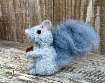 Needle Felted Squirrel, Felt Squirrel, Needle Felted Animal, Grey Squirrel, Plush Squirrel, Felted Squirrel, Wool Felt Animal, Fall Decor