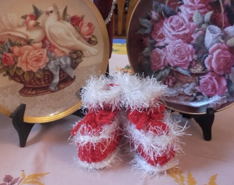 slippers red and white 0/3 months