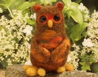 Topov - Needle felted miniature owl