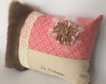 Decorative cotton pillow with recycled mink fur
