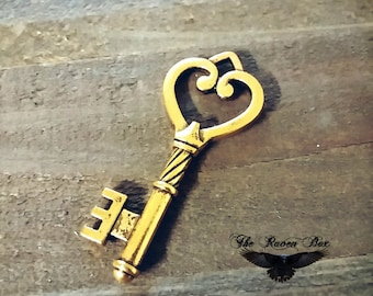 Gold Skeleton Key Heart Skeleton Key Gold Key Charm Pendant Double Sided 47mm Wedding Key Escort Card Key Charms by the Piece