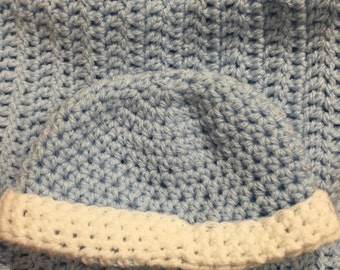 Baby blanket with matching baby beanie