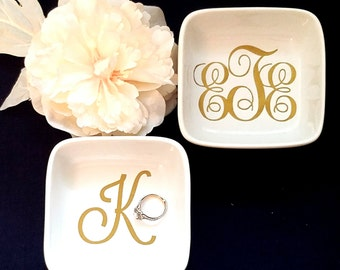 Monogrammed Jewelry Dish // Personalized Ring Dish // Bridesmaids Gift // Birthday Gift // Bride Gift // Hostess Gift // Stocking Stuffer
